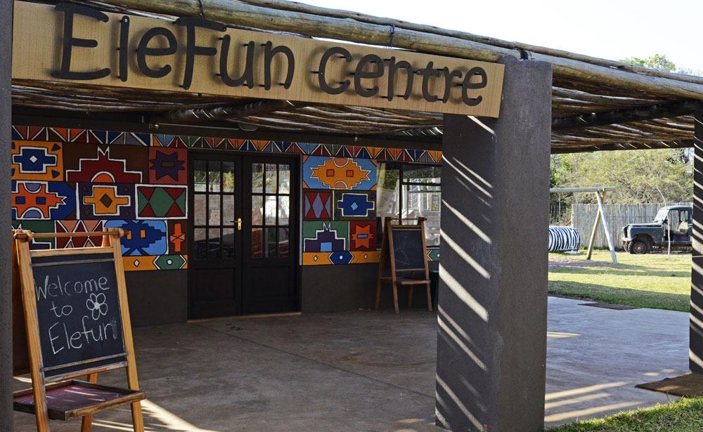EleFun-Centre-Bush-Lodge-sabi sabi sabi sand safari enkosi africa sudafrica familia