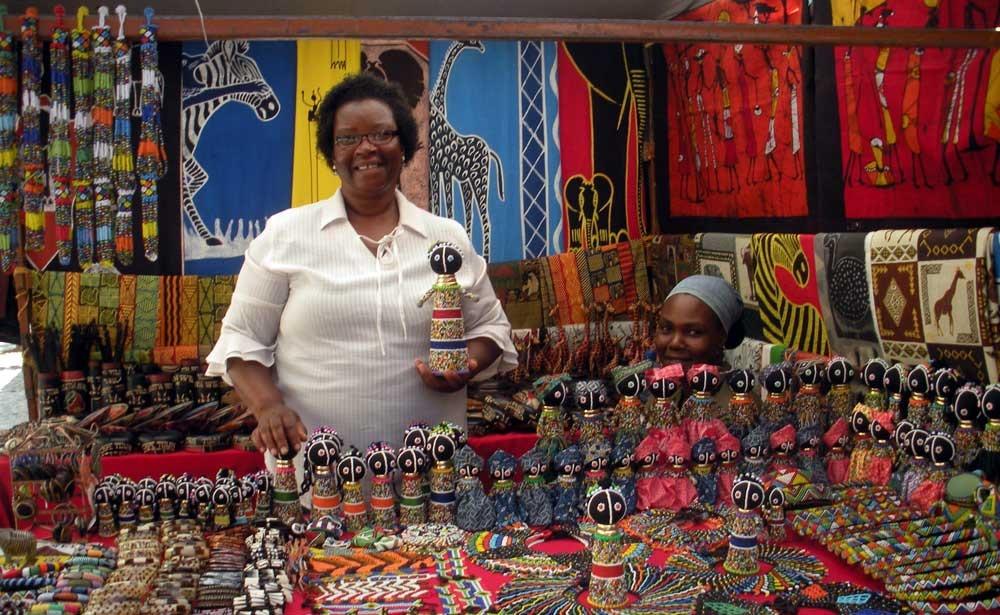 vendedora-artesania-africa