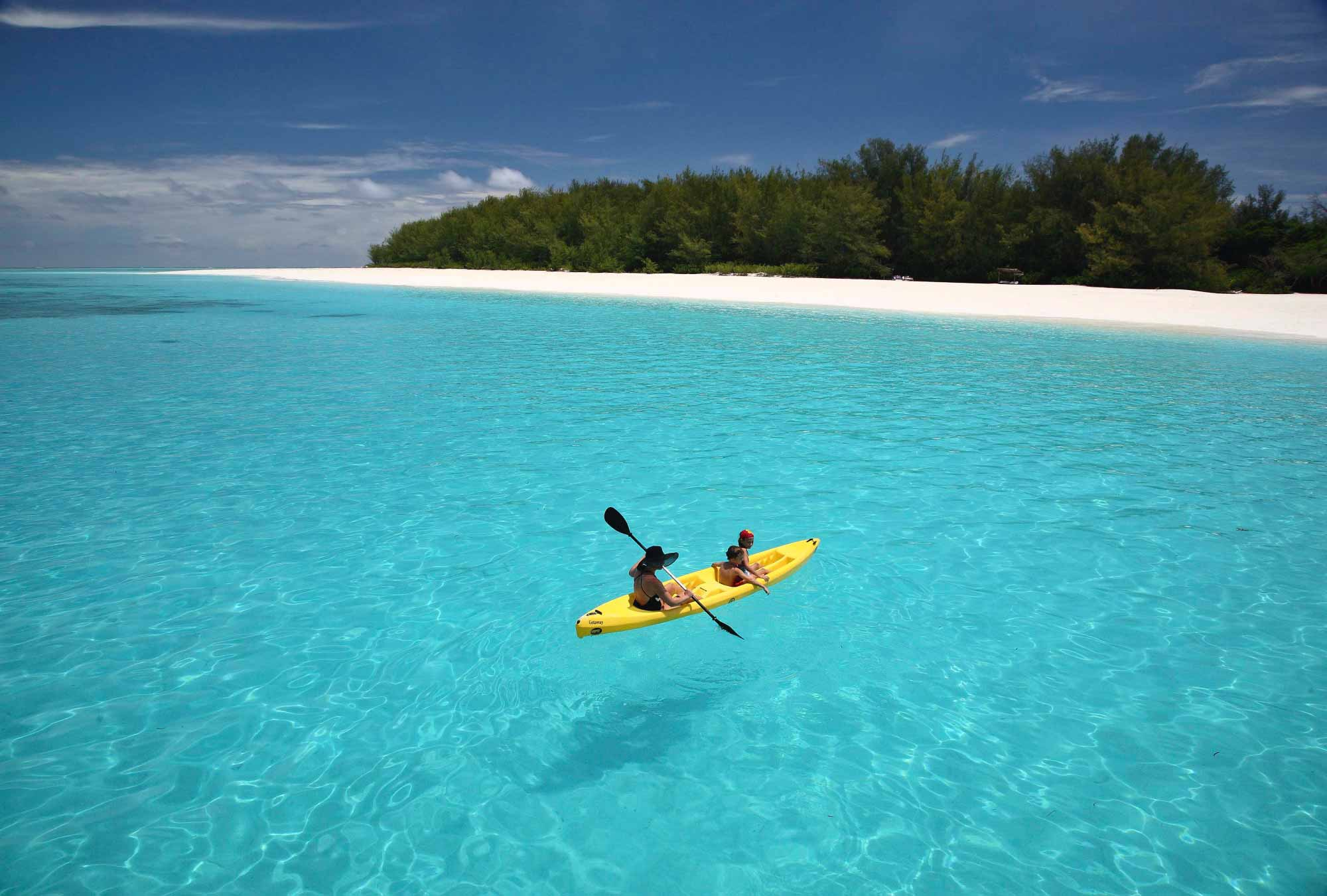 enkosi-africa-safari-zanzibar-mnemba-island-kayak