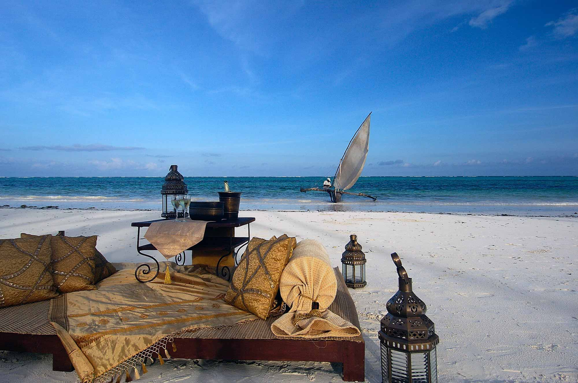 enkosi-africa-safari-zanzibar-the-palms_dhow