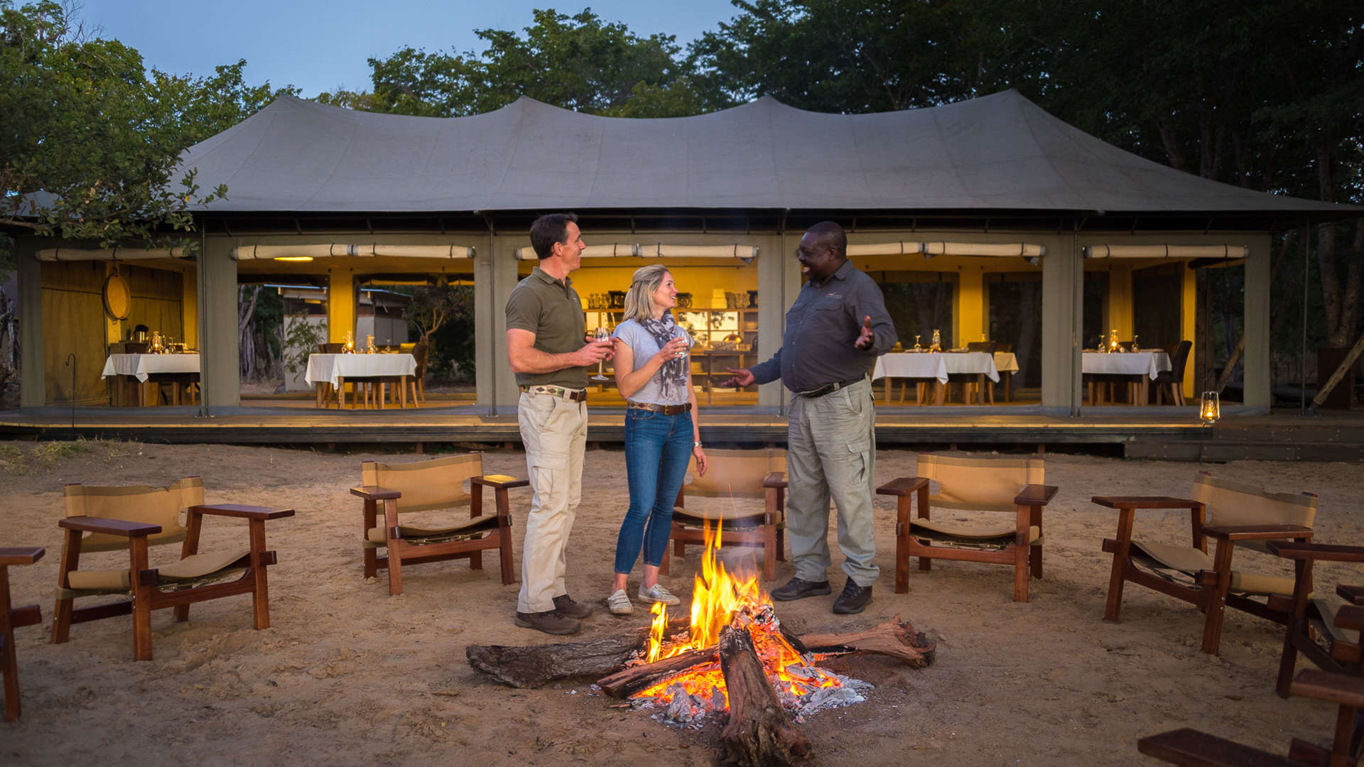 enkosi-africa-safari-zimbabwe-hwange-little-makalolo-camp-wilderness-fire