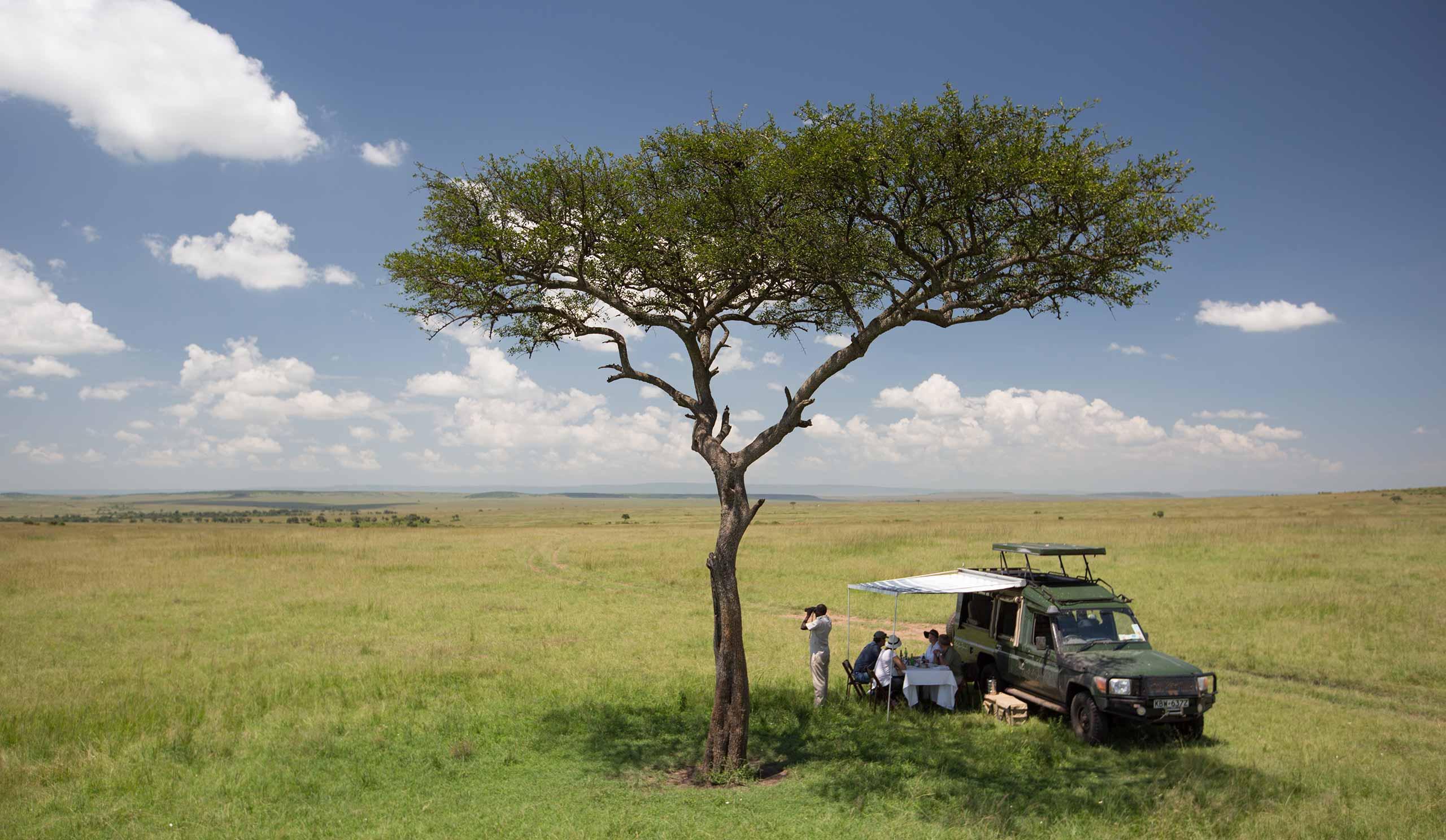 enkosi-africa-safari-kenia-masai-mara-sand-river-camp-elewana-Picnic-Luncheon-(c)-Silverless