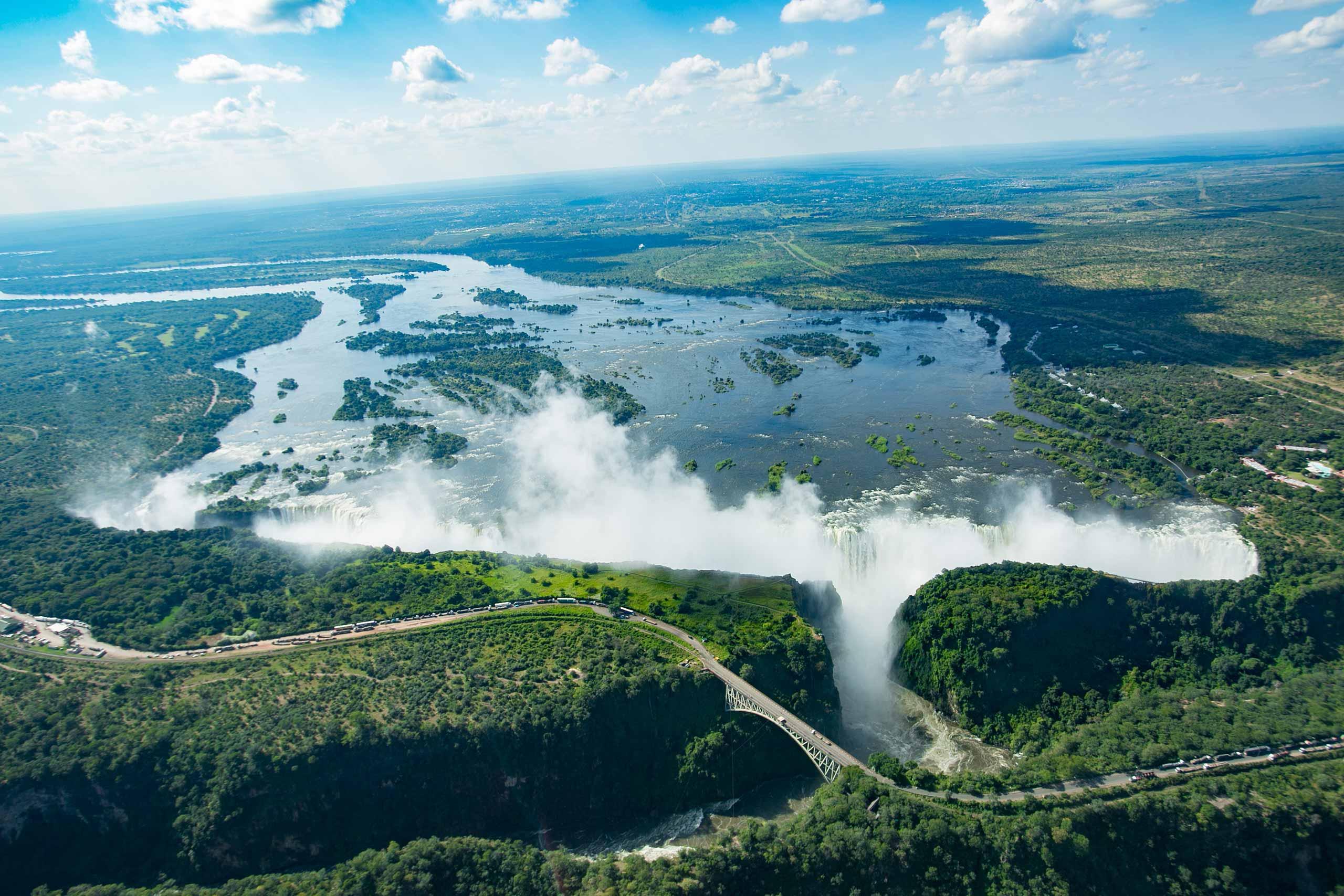 enkosi-africa-safari-zimbabwe-victoria-falls-ilala-lodge-aerial_view_victoria_falls