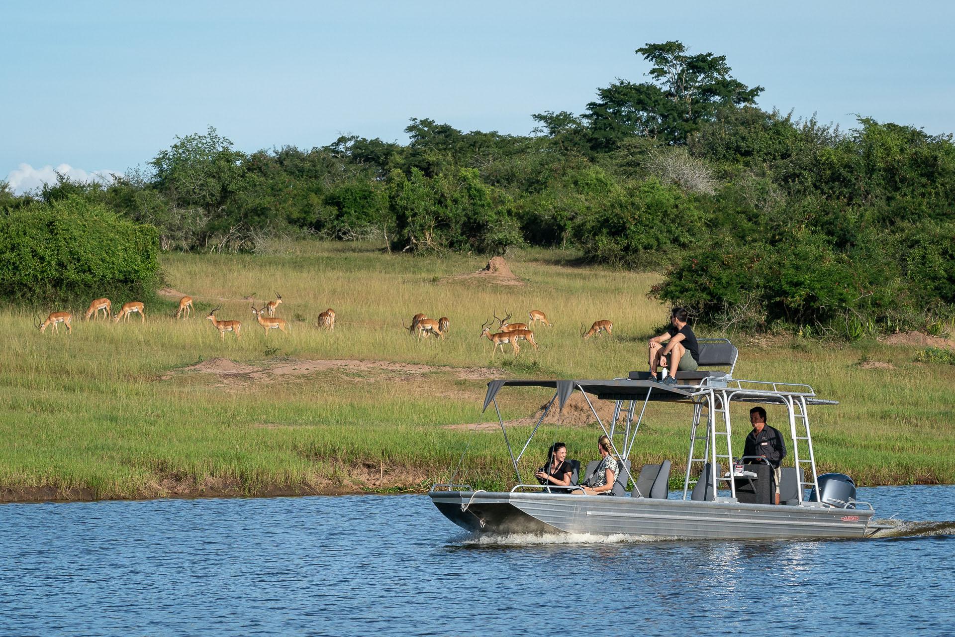 enkosi-africa-rwanda-akagera-wilderness-magashi-lake-safari-boat